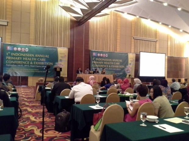 Sekjen Kemenkes dr, Supriyanto, SpP, MARS meresmikan acara PIT PKFI 2013