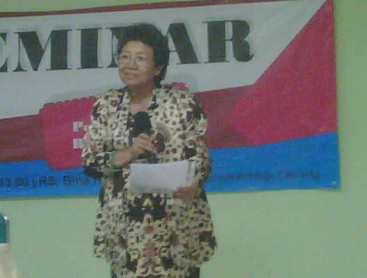 Bunda PKFI, dr. Siti Pariani