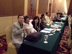 Bunda PKFI, dr. Siti Pariani dan Bidan  PKFI dr.Subur Prajitno, serta dr. Liza Wijaya hadir dlm PIT PKFI 2013